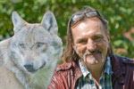 Andreas Hoppe engagiert sich als NABU-Wolfsbotschafter für ein Miteinander von Mensch und Wolf.