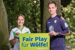 Anna Blässe und Diego Benaglio – alle unter Vertrag beim Bundesligisten VfL Wolfsburg unterstützen den NABU bei seinem Engagement für die Rückkehr des Wolfes.