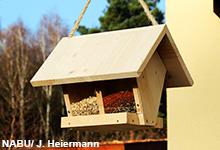 NABU-Video: So bauen Sie einen Futterspender für den Winter
