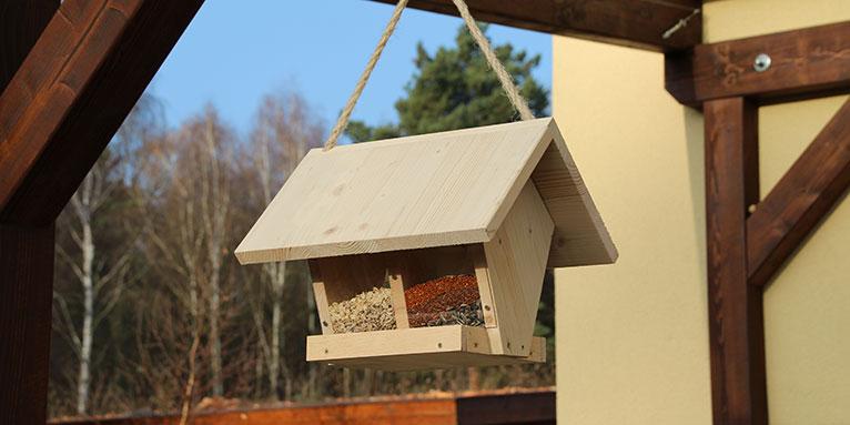 Vogelhaus Kunststoff Futterautomat Futterspender Vogelfutterhaus Wildvögel Vogel