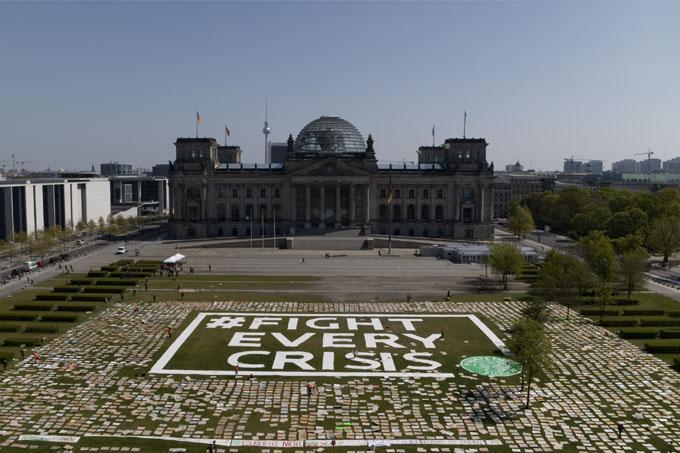 Eine Kunstaktion zum letzten Klimastreik am 24. Aril 2020. - Foto: Fridays for Future