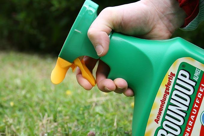 Strategie zur Verringerung aller Pestizide muss her - Foto: Eric Neuling