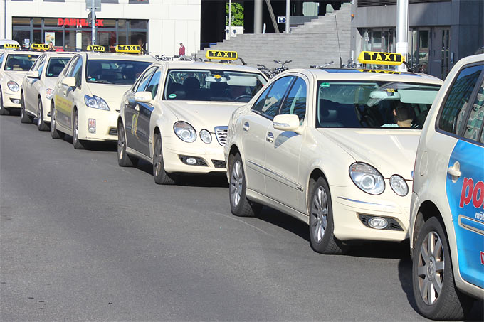 Taxis - Foto: Helge May
